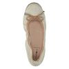 Leder-Ballerinas mit elastischem Rand bata, Beige, 526-8617 - 19