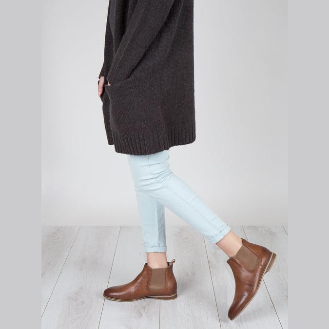 Knöchelhohe Chelsea Boots aus Leder mit Perforation bata, Braun, 596-4644 - 18